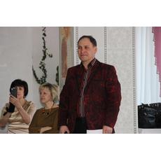Ведущий Алик Артыков
